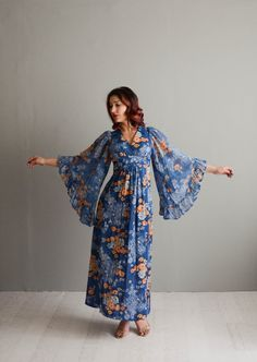 Vintage 1970s Angel Sleeve Dress 70s Bohemian by concettascloset
