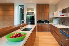 modern-box-house-with-interior-glass-bridges-9.jpg