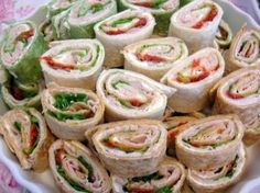 25 Easy, Cheap Clean Eating Appetizers Recipes - My Natural Family Cheap Appetizers, Healthy Appetizers, Appetizer Recipes, Party Recipes, Cheap Party Food, Cheap Party Finger Foods, Simple Party Food, Pinwheel Sandwiches, Kids Party Sandwiches