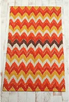 just bought this rug for the guest room!!! I can't wait to get it!