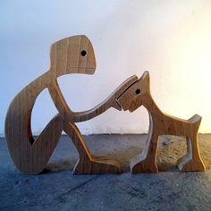 """sculpture en bois chantourné """"un mec qui caresse son chien"""" : Sculptures, gravures, statues par 2-5d"""