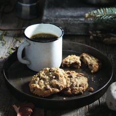 Brown sugar chocolate-chip oatmeal cookies - Chatelaine