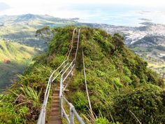 Climbing Stairway to Heaven Hawaii