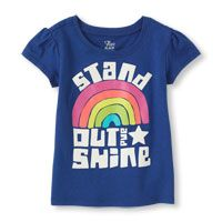 stand out graphic tee