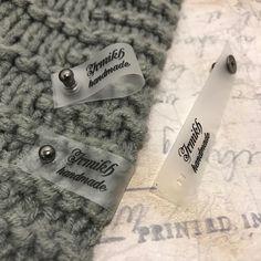 """Бирки/Этикетки/Лейблы/Шильдики on Instagram: """"Мы заботимся о своих клиентах, поэтому все свои бирочки, которые застёгиваются на кобурную кнопку изготавливаем «под ключ». У застёжек,…"""" Personalized Labels, Handmade, Hand Made, Personalised Labels, Arm Work"""