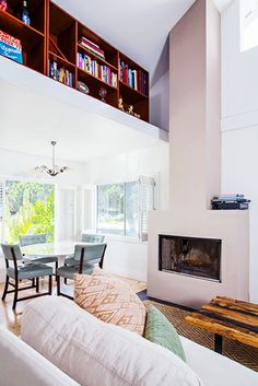 "Venice Cool Location: Venice, California Price: $1,595,000 Listing Type: Single Family Beds/Baths: 2/1.0 Year Built: 1910 Bragging Rights: Those loft spaces will grab everyone's attention. Professional Opinion: It's not a typo, folks. Under 900 square feet for $1,595,000. Silicon Beach is another word for ""expensive."""