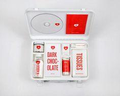 Una Mosca en la Luna: Kit de primeros auxilios para un corazón roto