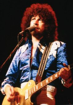 Looking beautiful in blue ❤️ Rock N Roll Music, Rock And Roll, Jeff Lynne Elo, Roy Wood, Beat Generation, Live Rock, Progressive Rock, Him Band, Orchestra