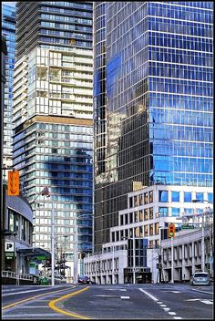 Background - Glass architecture tiling for 3/4 or full body  Vancouver, British Columbia, #Canada