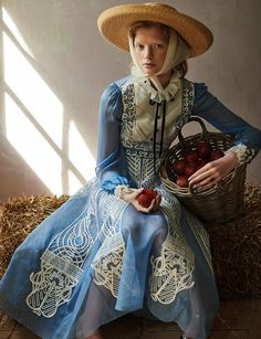 The Simple Life: Noah & Annemarie Model Amish Styles for Myself Germany romantic style Fashion Art, Editorial Fashion, New Fashion, Trendy Fashion, Vintage Fashion, Womens Fashion, Fashion Design, Ladies Fashion, Couture Fashion
