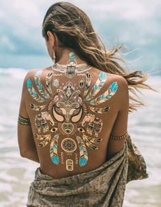 Temporary Glittery Tattoo Designs Best Temporary Tattoo Designs - 75 Temporary Tattoos That Are Just As Cool As The Real Ink to try in this summer vacations Best Temporary Tattoos, Temporary Tattoo Designs, Gold Tattoo, Metal Tattoo, Hippy Chic, Boho Chic, Bohemian, Festival Wear, Festival Outfits