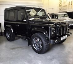 Land rover Defender 90 twisted T80. Ready for anything.