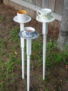 Tea Cup Bird Feeders on DIY home store spindles/table legs for stakes Garden Crafts, Diy Garden Decor, Garden Projects, Garden Ideas, Crafty Projects, Homemade Garden Decorations, Diy Bird Feeder, Bird Feeder Stands, Glass Garden