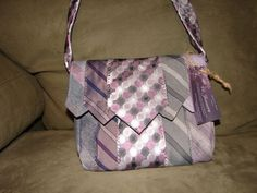 I am going to make some bags like this....I still have 100's of neckties!