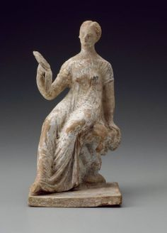 Figurine of a girl with a mirror - Greek Period Early Hellenistic Period Ancient Rome, Ancient Greece, Ancient History, Art History, Greece Culture, Hellenistic Period, Classical Antiquity, Terracota, Greek Art