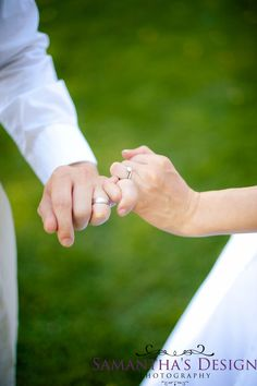 Samantha's Design Photography, Wedding pose, Bride pose, Rings, Seppala Photography