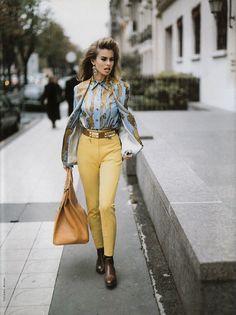"""Chic City"", Vogue Italia, January 1992  Photographer: Tiziano Magni  Model: Niki Taylor"