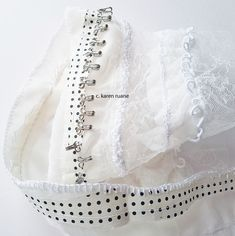 Embroidery, paper and cloth White Embroidery, Paper Design, Hand Stitching, Home Crafts, Dots, Paper Crafts, Pretty, Projects, How To Make