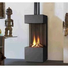 Wegens het succes van de #Thermocet Trimline 38 Panorama heeft Thermocet besloten deze haard ook als vrijstaande #gashaard te gaan leveren. Hiermee is de Thermocet Trimline 38FS de enige driezijdige vrijstaande gashaard. #Gaskachel #Kampen #Interieur #Fireplace #Fireplaces