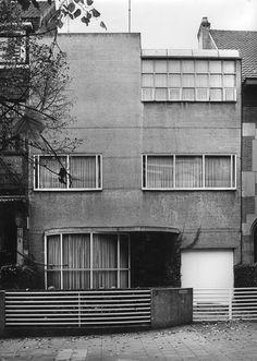 Concrete poetry: Maison Dotremont, 1932, Brussels, Louis-Herman de Koninck