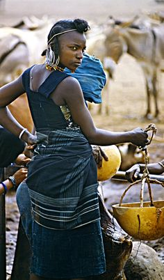Waiting for water . Niger