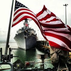 GREAT MEMORIAL DAY PICTURE - US FLAG FURLS OPEN TO REVEAL PROUD NAVY WARSHIP - GREAT SHOT!