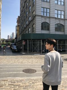 #kimyounghoon Kim Young, Ideal Boyfriend, Flower Phone Wallpaper, Boy Idols, All About Kpop, Bermuda Triangle, Cha Eun Woo, Golden Child, How To Pose