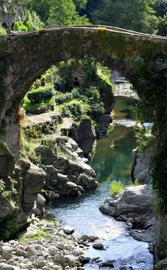 Medieval bridge, Italy( by Ornedra )