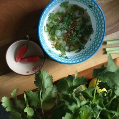 Thai dipping sauce Thai Dipping Sauce, Baking Recipes, Spinach, Vegetarian Recipes, Organic, Meals, Canning, Vegetables, Kitchen