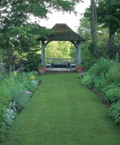 How to Make a Garden Feel Welcoming