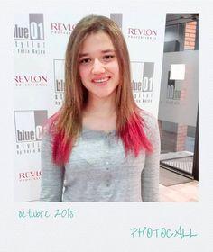 Manu le aplicó a Carlota un nutricolor en las puntas. Guapísima!! #blue01stylist Stylists, Haircolor, Dyes, Colors, Fashion Designers