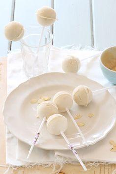 Frozen Yoghurt Nut butter pops