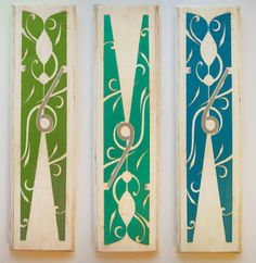 Love this clothespin art for the laundry room, best part is that she has the files to download which makes this so easy!