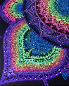 Can't wait to start doodling again haven't been drawing much recently but I have plans for a new size mandala and I can't wait to start it ❤❤ Mandala Doodle, Mandala Art, Mandalas Drawing, Zentangle Drawings, Zentangles, Doodle Art, Pinterest Gratis, Sharpie Drawings, Graph Paper Art