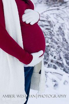 Baby's coming! Séance maternité dans la neige! | Sweet Félicité