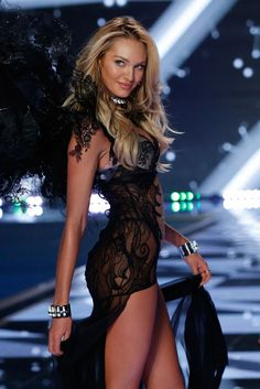 Victoria's Secret Fashion Show 2014 - Candice Swanepoel walks in the 2014 Victoria's Secret Fashion Show