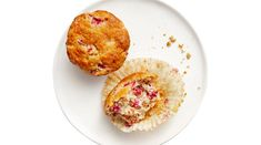 Buttery Rhubarb Muffins ~ A Cooking Country Girl Muffin Recipes, Baking Recipes, Breakfast Recipes, Sweet Breakfast, Rhubarb Muffins, Rhubarb Pie, Cranberry Muffins, Savory Tart, Rhubarb Recipes