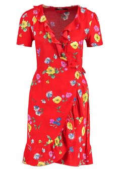Tea dresses are the trending item all fashionistas are queuing up for, this Summer 2017 (The Blonde Salad) Biker, The Blonde Salad, Summer Dresses, Tea Dresses, Wrap Dress, Party Dress, Fashion Dresses, Short Sleeve Dresses, Casual