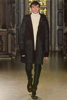 Fall 2015 Menswear  Pringle of Scotland  http://www.style.com/slideshows/fashion-shows/fall-2015-menswear/pringle-of-scotland/collection/25