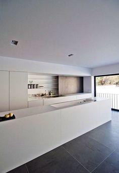 kitchen Stylish Kitchen, Modern Kitchen Design, Interior Design Kitchen, Kitchen Designs, Room Interior, Brick Interior, Functional Kitchen, Interior Minimalista, Grey Flooring