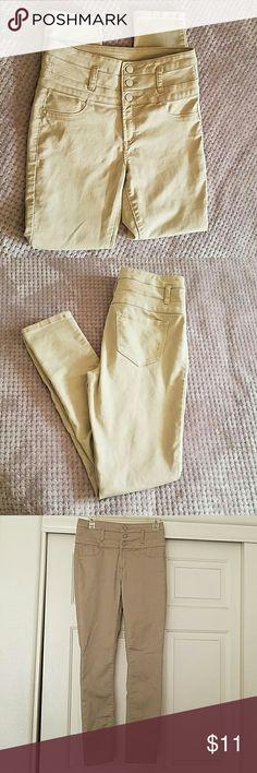 High Rise Khaki Jeans NWOT high rise khakis  Skinny flattering fit refuge Jeans Skinny