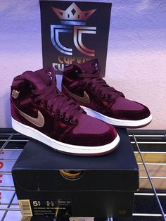 26624a8cf78 NEW Nike Air Jordan 1 Retro High PRM Maroon Velvet Size GG GS 5.5Y (832596- 640)
