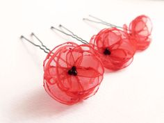 Epingles à cheveux Fleur Coquelicot rouge Organza & par Joliejye, €25.00