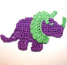 Ravelry: Triceratops Applique pattern by Nana Sue Quick Crochet, Cute Crochet, Crochet Crafts, Crochet Baby, Appliques Au Crochet, Crochet Motifs, Crochet Quilt, Crochet Dinosaur Pattern Free, Crochet Applique Patterns Free