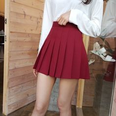 Tennis Costume - White Skirt with a White Singlet Crop Top, White Wrist and Head Sweat Bands, White/Gold Adidas, Sunglasses and Hair in a Straight Pony Tail. Skirt Outfits, Casual Outfits, Cute Outfits, Fashion Outfits, Red Skirts, Cute Skirts, Mini Skirts, Tennis Skirts, Fashion Moda