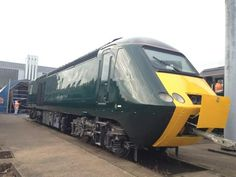 HST power car 43188 looking grand in new GWR colour. British Rail, Speed Training, Great Western, Power Cars, Diesel Locomotive, Train Tracks, Britain, Random Stuff, The Past