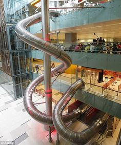 Singapore Changi Airport was already ranked the best airport in the world before this amazing SLIDE was made. In an AIRPORT! SO want to go to Singapore. Singapore Changi Airport, Singapore Malaysia, Singapore Travel, Singapore Sights, Sentosa Island Singapore, Singapore Attractions, Cool Slides, Water Slides, Oh The Places You'll Go