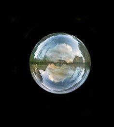 Tu mundo, puede ser tan grande cono quieras o tan pequeño como una gota de agua. Tu decides como verlo!