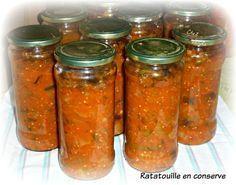 Cuisinons les bons légumes du jardin et cet hiver , nous nous régalerons !!!! Ingrédients ;**LOGOS VERTS ** 1 gros oignon ** 800 g d'aubergines ** 1 kg 200 de courgettes ** 1 kg 500 de tomates ** 2 gousses d'ail ** 500 g de poivrons verts Sel et Poivre...