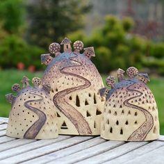 Kopeček mini-cestička k domovu-varianty / Zboží prodejce keramikas Clay Houses, Ceramic Houses, Ceramic Pots, Ceramic Clay, Ceramic Pottery, Pottery Art, Aesthetic Objects, Pottery Houses, Clay Art Projects